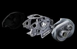 2021 ジリオンSVTW1000Lスプールの軸を支えるメインフレーム、サイドプレート、サブフレームがフルメタルハウジング