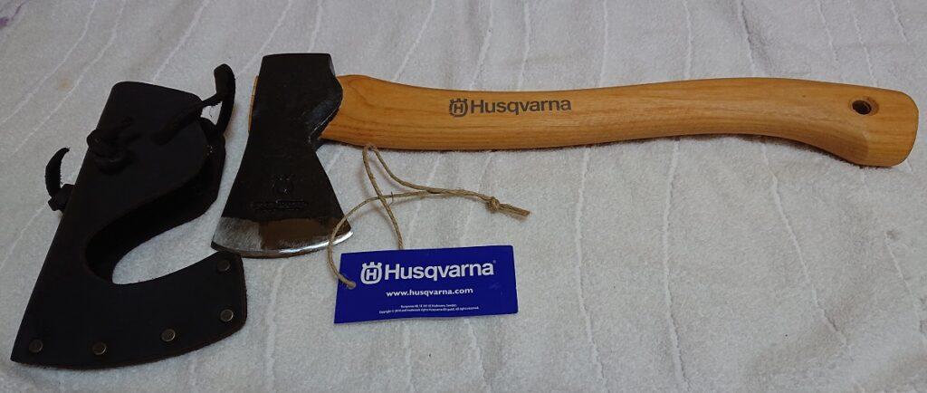 ハスクバーナ キャンプ用斧 38cm、歯先カバー付き
